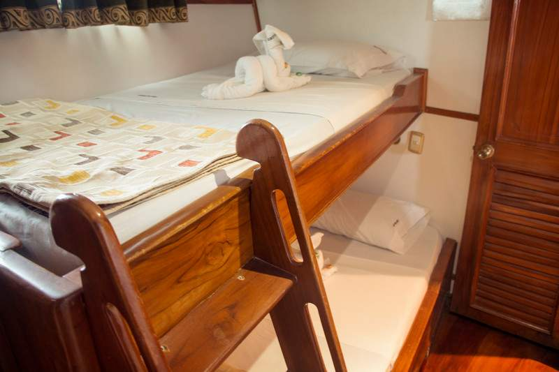 Ecuador Galapagos Estrella Del Mar Boat Interior Lower Deck Room - IMG5819 Lg RGB
