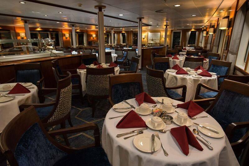 Ocean Adventurer Restaurant2