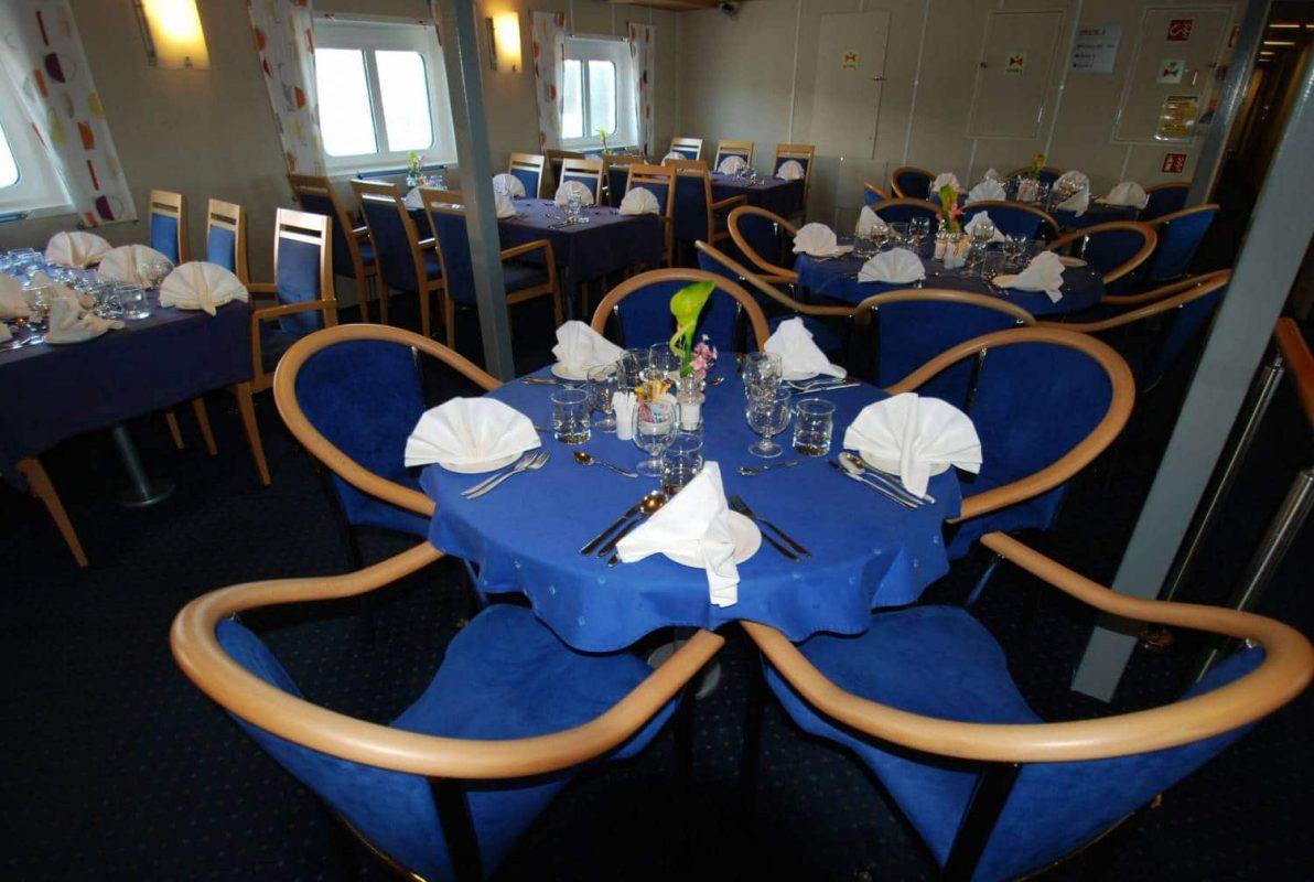 OCEAN NOVA PolarQuest Restaurant
