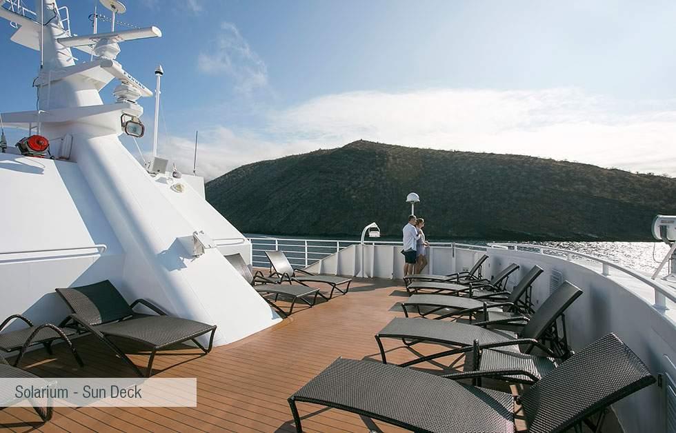galapagos-santa-cruz-solarium-sun-deck