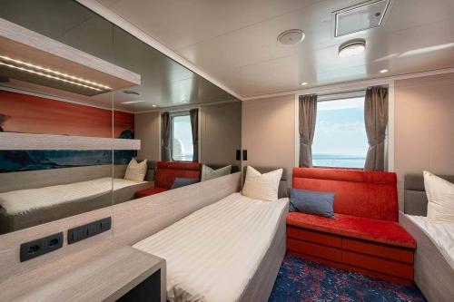 2-Bettkabine mit Fenster